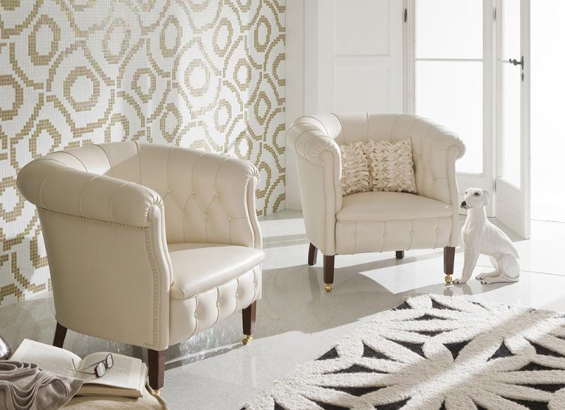 Glasmosaik weiss-gold in Wohnzimmer